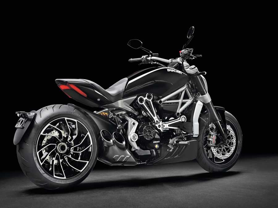 DUCATI XDIAVEL STYLE AND DESIGN REWARDED WITH THE RED DOT AWARD 2016 BEST OF