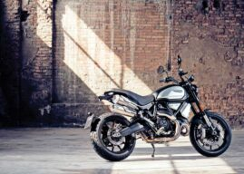 THE PERFECT ENTRY INTO THE DUCATI SCRAMBLER FAMILY WITH THE NEW DARK VERSION