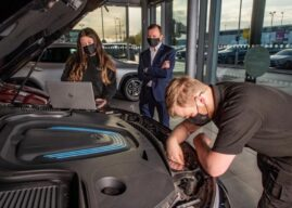 LOOKERS LAUNCHES NATIONWIDE SEARCH FOR 180 APPRENTICES IN LARGEST EVER RECRUITMENT DRIVE